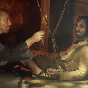 Still of Nestor Carbonell and Titus Welliver in Dinge (2004)