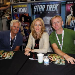 Gillian Anderson, Chris Carter, Dean Haglund