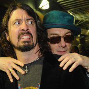 Elvis Costello, Dave Grohl