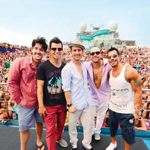 Jordan Knight, Donnie Wahlberg, Jonathan Knight, Joey McIntyre, Danny Wood