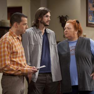 Still of Jon Cryer Conchata Ferrell and Ashton Kutcher in Two and a Half Men 2003