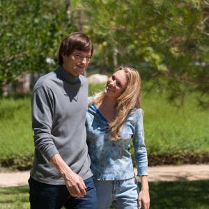 Still of Ashton Kutcher and Abby Brammell in Jobs (2013)