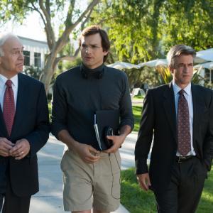 Still of Dermot Mulroney, Ashton Kutcher and Robert Pine in Jobs (2013)