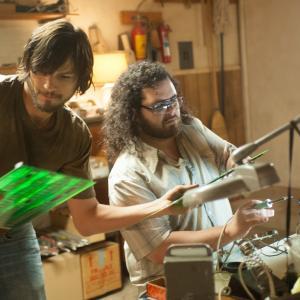 Still of Ashton Kutcher and Josh Gad in Jobs (2013)