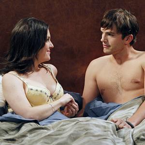 Still of Melanie Lynskey and Ashton Kutcher in Two and a Half Men (2003)