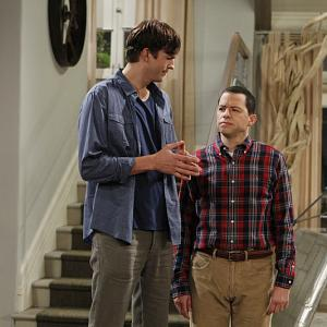 Still of Jon Cryer and Ashton Kutcher in Two and a Half Men (2003)