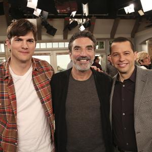 Jon Cryer, Ashton Kutcher and Chuck Lorre in Two and a Half Men (2003)