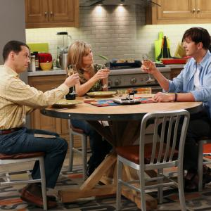 Still of Jon Cryer, Ashton Kutcher and Courtney Thorne-Smith in Two and a Half Men (2003)