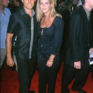 Casper Van Dien and Catherine Oxenberg at event of Deep Blue Sea 1999