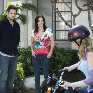 Still of Courteney Cox Josh Hopkins Busy Philipps and Ian Gomez in Cougar Town 2009