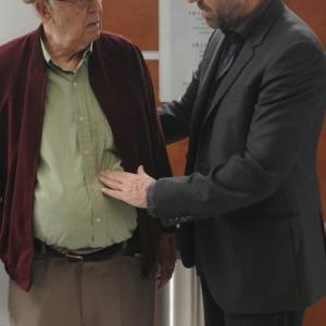 Still of Carl Reiner and Hugh Laurie in Hausas (2004)