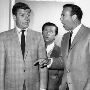 Still of Dick Van Dyke, Carl Reiner and Morey Amsterdam in Make 'Em Laugh: The Funny Business of America (2009)