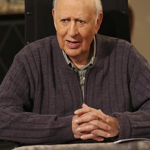 Still of Carl Reiner in Two and a Half Men (2003)