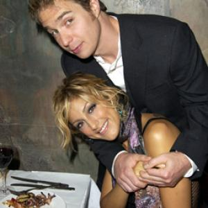 Sam Rockwell and Jennifer Esposito at event of Welcome to Collinwood 2002