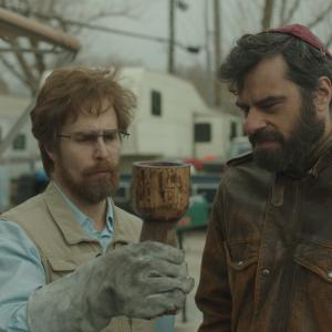 Still of Sam Rockwell and Jemaine Clement in Don Verdean (2015)