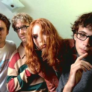 Still of Alicia Witt, Andy Dick, Jeremy Sisto and Luke Wilson in Bongwater (1997)
