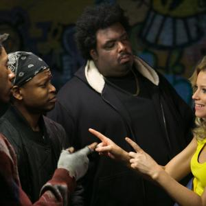 Still of Elizabeth Banks, Lawrence Gilliard Jr., Da'Vone McDonald and Alphonso McAuley in Nors mirk is gedos (2014)