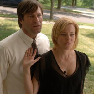 Still of Aaron Eckhart and Elizabeth Banks in Bill 2007