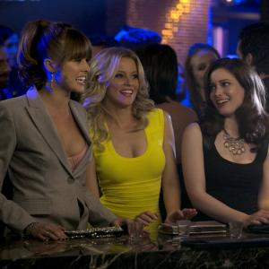 Still of Elizabeth Banks, Sarah Wright and Gillian Jacobs in Nors mirk is gedos (2014)