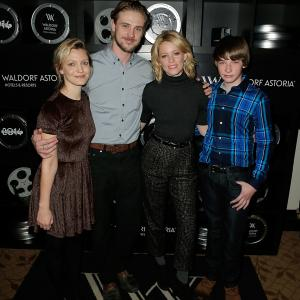 Elizabeth Banks, Boyd Holbrook and Jacob Lofland at event of Little Accidents (2014)