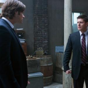 Still of Jensen Ackles and Jared Padalecki in Supernatural 2005