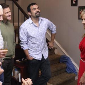 Still of Kyle MacLachlan, Orson Bean, Julie Benz, Ricardo Chavira and Doug Savant in Nusivylusios namu seimininkes (2004)