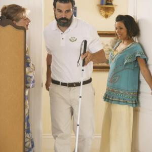 Still of Ricardo Chavira, Frances Conroy and Eva Longoria in Nusivylusios namu seimininkes (2004)