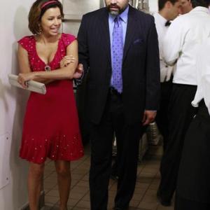 Still of Ricardo Chavira and Eva Longoria in Nusivylusios namu seimininkes (2004)