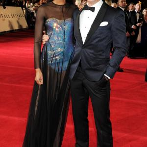 Daniel Craig and Naomie Harris at event of Operacija Skyfall 2012