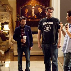 Still of Jason Bateman Charlie Day Jason Sudeikis and Seth Gordon in Kaip atsikratyti boso? 2011