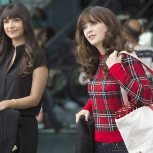 Still of Zooey Deschanel and Hannah Simone in New Girl (2011)