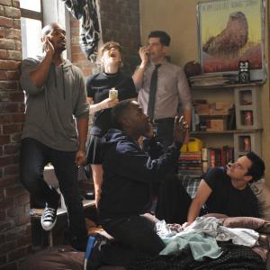 Still of Zooey Deschanel, Max Greenfield, Damon Wayans Jr., Lamorne Morris and Jake Johnson in New Girl (2011)