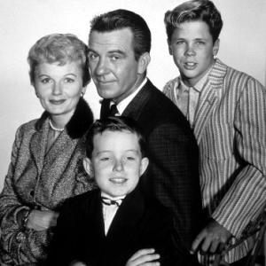 Hugh Beaumont, Barbara Billingsley, Tony Dow, Jerry Mathers