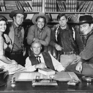 Lee J. Cobb, Randy Boone, James Drury, Clu Gulager, Doug McClure, Roberta Shore