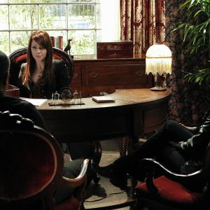 Still of Laurence Fishburne, Melinda Clarke and Jorja Fox in CSI kriminalistai (2000)
