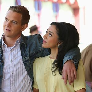 Still of Aimee Garcia and Taylor Handley in Vegas (2012)