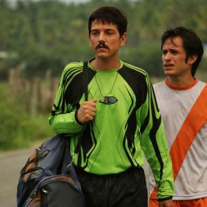 Still of Gael Garca Bernal and Diego Luna in Rudo y Cursi 2008