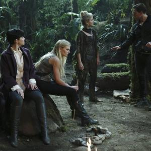 Still of Ginnifer Goodwin Rose McIver Jennifer Morrison and Josh Dallas in Once Upon a Time 2011