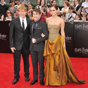 Rupert Grint, Daniel Radcliffe and Emma Watson at event of Haris Poteris ir mirties relikvijos. 2 dalis (2011)