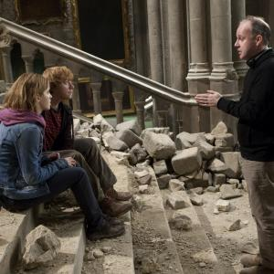Still of Rupert Grint, Emma Watson and David Yates in Haris Poteris ir mirties relikvijos. 2 dalis (2011)