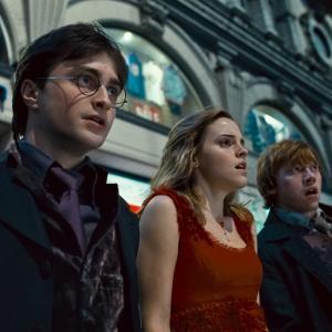 Still of Rupert Grint Daniel Radcliffe and Emma Watson in Haris Poteris ir mirties relikvijos 1 dalis 2010