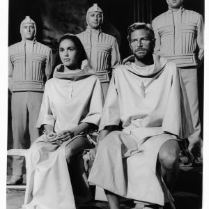 Still of James Franciscus and Linda Harrison in Beneath the Planet of the Apes 1970