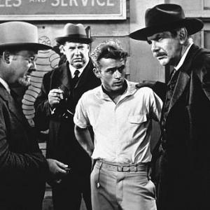 James Dean, Burl Ives, Raymond Massey