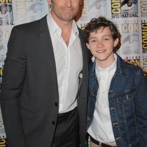 Hugh Jackman and Levi Miller at event of Pan (2015)