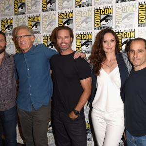 Carlton Cuse, Josh Holloway, Peter Jacobson, Sarah Wayne Callies, Ryan Condal, Wayne Callies