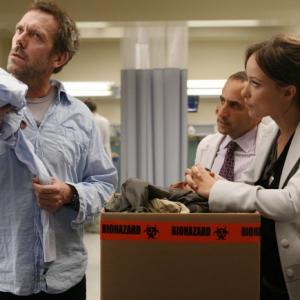 Still of Peter Jacobson Hugh Laurie and Olivia Wilde in Hausas 2004