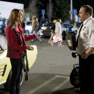 Still of Kevin James and Jayma Mays in Paul Blart Mall Cop 2009