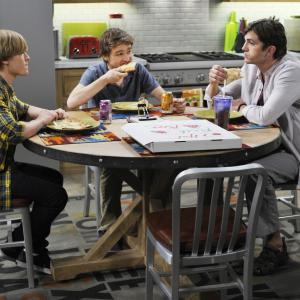Ashton Kutcher, Angus T. Jones, Graham Patrick Martin