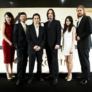 Keanu Reeves, Tadanobu Asano, Rinko Kikuchi, Carl Rinsch, Hiroyuki Sanada and Ko Shibasaki in 47 Roninai (2013)