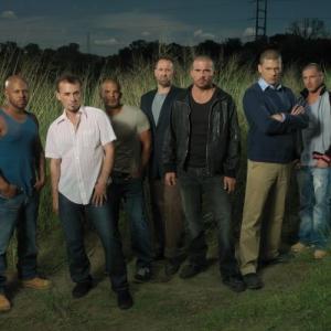 Still of Rockmond Dunbar, Robert Knepper, Wentworth Miller, Dominic Purcell, Amaury Nolasco and Lane Garrison in Kalejimo begliai (2005)